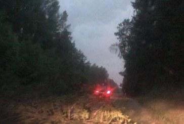 Ekstremalių situacijų komisijos sprendimas – leisti gyventojams tvarkyti uragano padarinius
