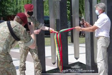 Paminklo trims savanorių kartoms atidengimo ceremonija Jiezne (Fotoreportažas)