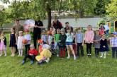 """Klouno """"Bumsio"""" ir RKL Prienų KKSC komandos krepšininkų viešnagė darželyje """"Pasaka"""" (Fotoreportažas)"""