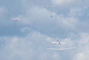 Europos jaunimo sklandymo čempionate tarp lyderių – Nyderlandų, Vokietijos, Čekijosir Didžiosios Britanijos pilotai