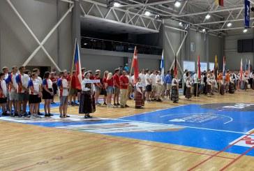 Šeštadienį Prienų arenoje oficialiai atidarytas Europos jaunimo sklandymo čempionatas