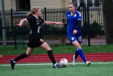 Mergaičių futbolo turnyras Ąžuolo progimnazijos stadione (Fotoakimirkos)