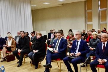 Prienuose su Ministru, Seimo komiteto pirmininku, Prezidento ir Premjerės patarėjomis diskutavo šalies kultūros centrų vadovai (Fotoreportažas)